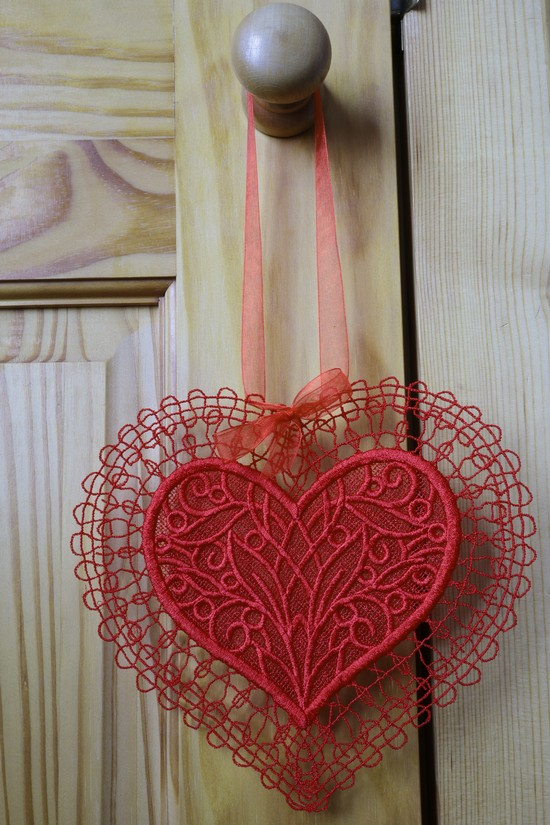 Hanging Lace Valentine Heart